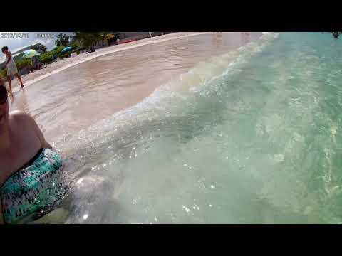 2018 grand cayman beach under water