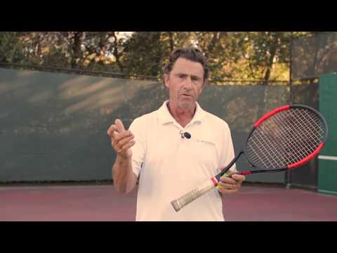 Three Fingered Grip – Loosen Up like Pancho Gonzalez