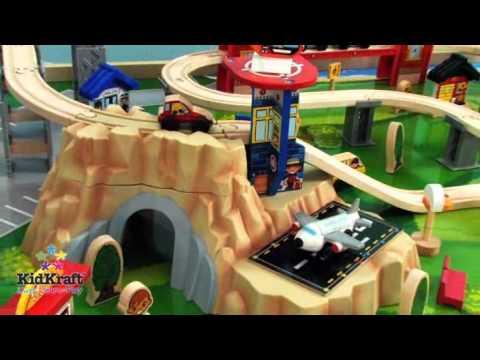 circuit train voiture ville jeux pour enfant kidkraft sur youtube. Black Bedroom Furniture Sets. Home Design Ideas