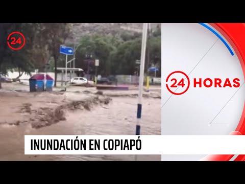 Inundaci n en copiap fuerza del agua arrastra contenedor - Contenedor de agua ...