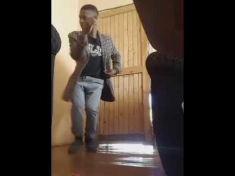 Oeblatla kae ko mokokotlong dance by simanana