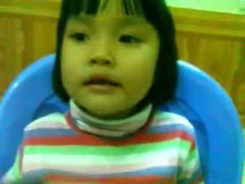 be Thanh Mai 3 tuoi ke chuyen tich chu
