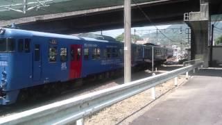 快速電車SEA SIDE TRAINがホームで重なりました。