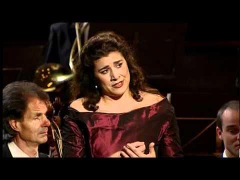 Cecilia Bartoli - Mozart - Giunse alfin il momento / Al desio di chi t'adora