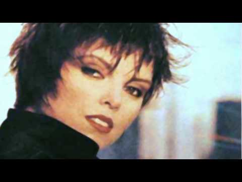 Pat Benatar Heartbreaker - Female - 10.0KB