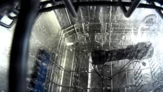 Siemens SN 66M094 в процессе работы(Было любопытно узнать, что происходит внутри посудомойки. В итоге положил в машину фонарь для дайвинга..., 2015-01-11T08:45:44.000Z)