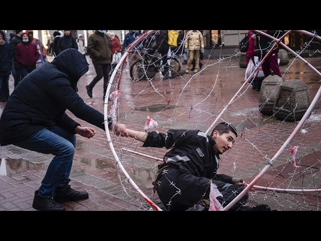 <span class='as_h2'><a href='https://webtv.eklogika.gr/rosia-synechizetai-to-kyma-allileggyis-pros-ton-alexei-navalni' target='_blank' title='Ρωσία: Συνεχίζεται το κύμα αλληλεγγύης προς τον Αλεξέι Ναβάλνι…'>Ρωσία: Συνεχίζεται το κύμα αλληλεγγύης προς τον Αλεξέι Ναβάλνι…</a></span>