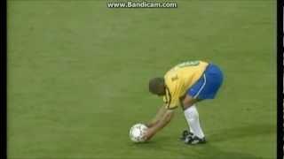 Roberto Carlos amazing free kick for Brazil