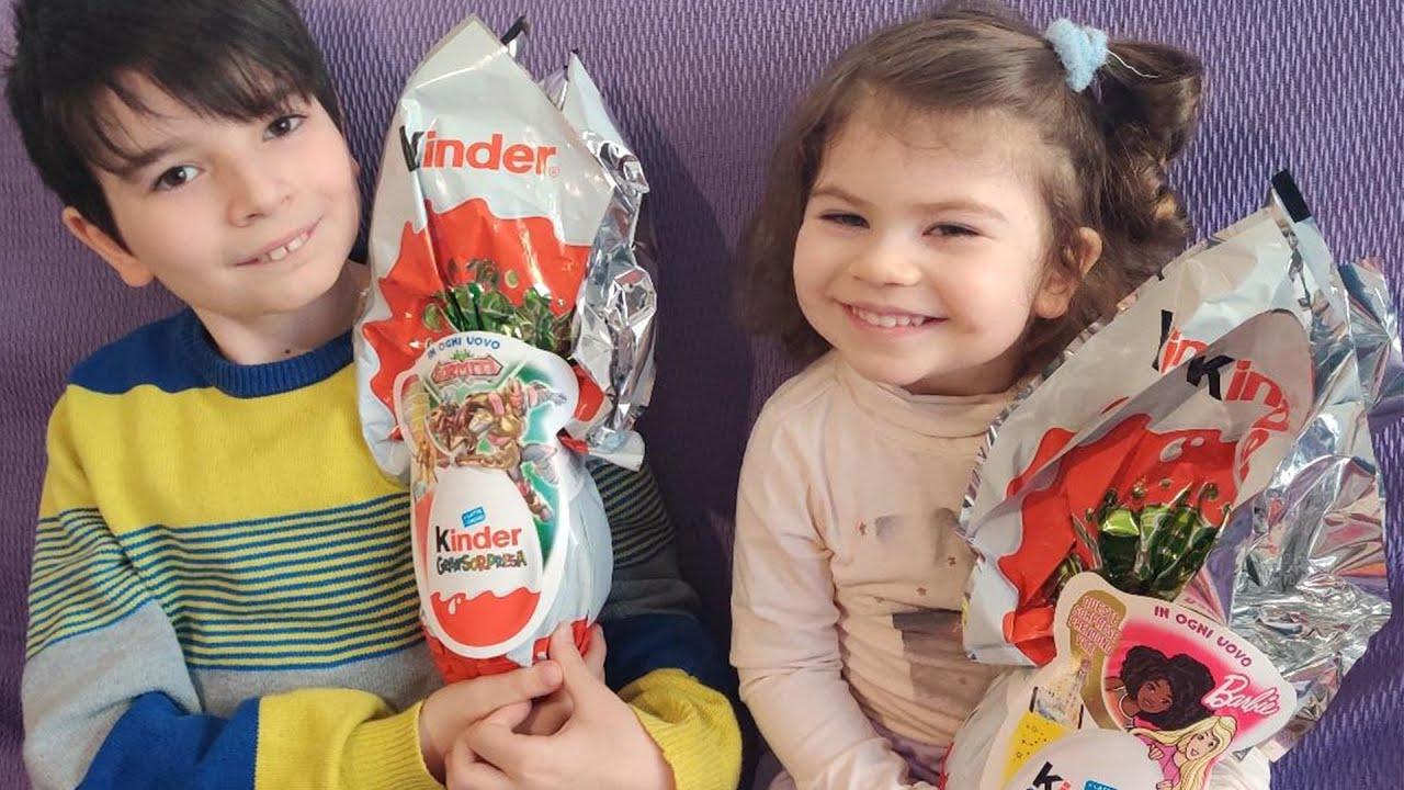 Apriamo le uova di Pasqua Kinder Gran Sorpresa