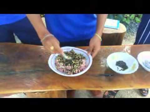อาหารพื้นบ้านพัทลุง ลิ้นหมูทอดกระเทียมพริกไทย ม.5/13 สตรีพัทลุง 2558