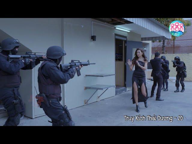 Bà Trùm Chân Dài Đứng Trước Biệt Đội Cảnh Sát Cơ Động Múa Võ Tẩu Thoát Như Phim Hành Động   888TV