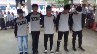 Perform 3 TKJ 2 Shuffle Dance ( Smk 1 Sinjai )