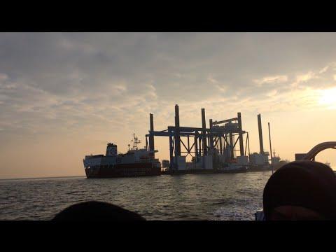 Heavy Lift Jack-up Barge ZOURITE Viaduct du Littoral