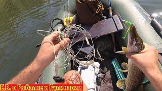 Ловим щуку и окуня на лодке на реке Кинель Рыбалка с лодки ловим на блесны воблеры и джиг