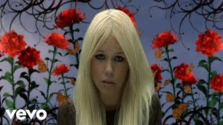 Watch Kerli Love Is Dead video