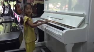 SUE test piano mới cho G4U để giao cho khách hàng (6/10/2016)