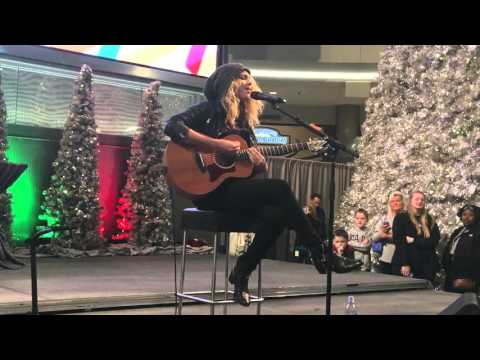 Tori Kelly - Unbreakable Smile - 2015-11-27 - Mall Of America