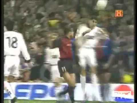 Real Madrid Vs BArcelona Classics fights peleas Soccer