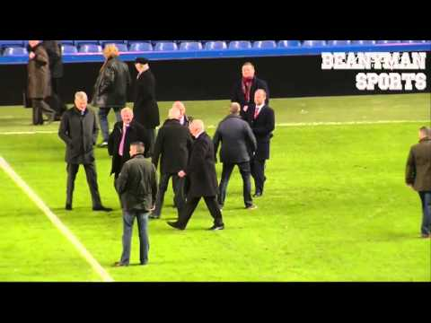 Sir Alex Ferguson & Roman Abramovich Shake Hands On The Pitch After Chelsea   Man Utd Game