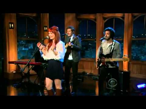 A Fine Frenzy - Blow Away (Late Late Show).flv