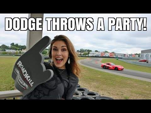 Dodge Vipers & Hellcats DRIFTING on Track + Drag Racing