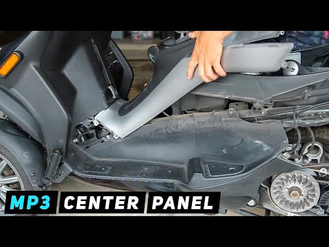 Piaggio MP3 - Center Panel Removal