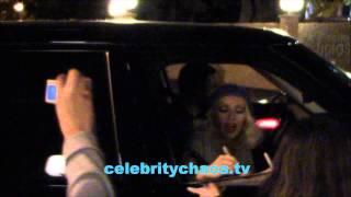 Baixar Christina Aguilera thrills fans