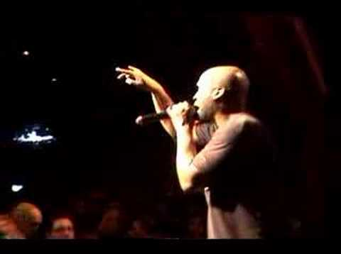 "De La Soul ""Days Of Lives/Peas Porridge"" Live"