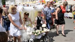 В Муроме прошел парад невест и