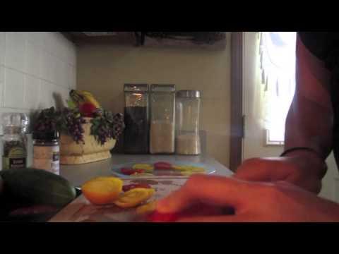 tangy-heirloom-tomato-&-peach-salad-|-midweek-snack
