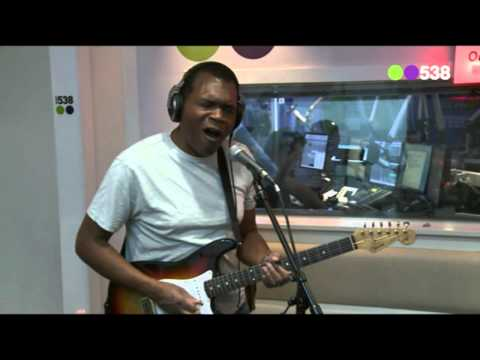 Robert Cray Band - Right Next Door (live bij Evers Staat Op)