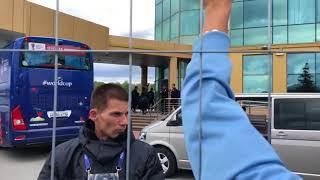 Фанаты встречают сборную Уругвая в Екатеринбурге