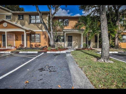 10517 NW 8 St  Pembroke Pines, FL  33026