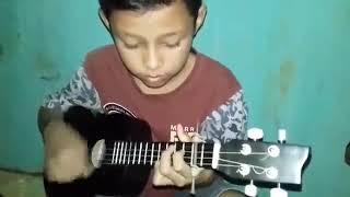 Pro ukulele senar 4 lagu kaulah yang terakhir
