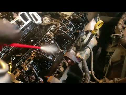 How to Clean Oily Car Engine Parts, The Fast Easy Cheap Way