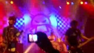 Killerpilze Bataclan 04/02 - Der Moment