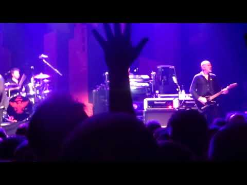 Stranglers ; Walk On By, Relentless, Peaches, Norfolk Coast, Hanging Around. Paris Cigale 2017