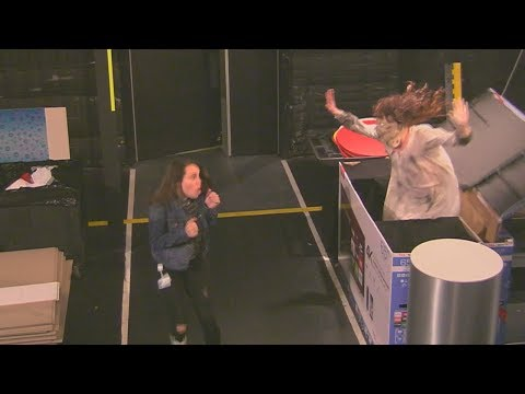 Jagger - Ellen scares her guests and staff backstage!
