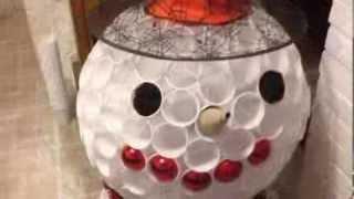 Réaliser un bonhomme de neige avec des verres en plastique streaming