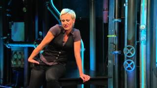 Comedy-Laborantin Esther Schaudt