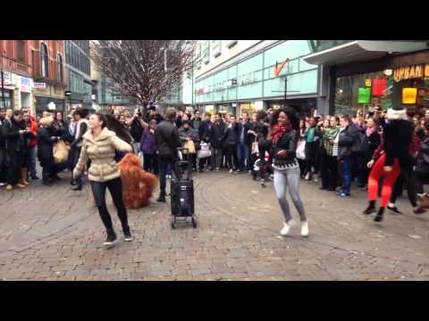 Chesney Hawkes flashmob in Manchester