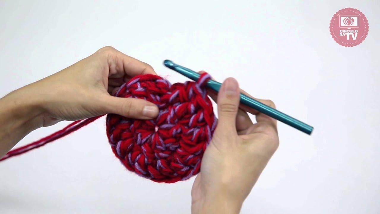 09a4b3bf3d794 Gorro de crochê com pompom - YouTube