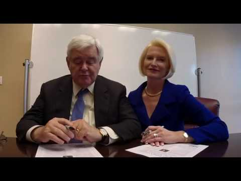 Newt Gingrich and Callista Signing Trump's Contract with the American Voter ✔