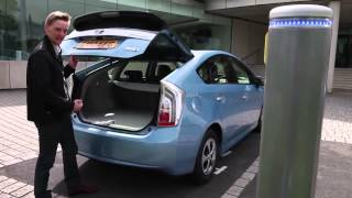 How to charge the Toyota Prius Plug in