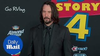 keanu-reeves-resembles-john-wick-toy-story-4-premiere