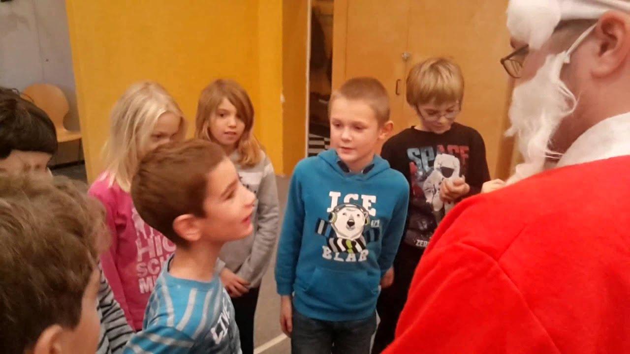 Weihnachtsgeschenke für Kinder dank eurer Spenden - YouTube