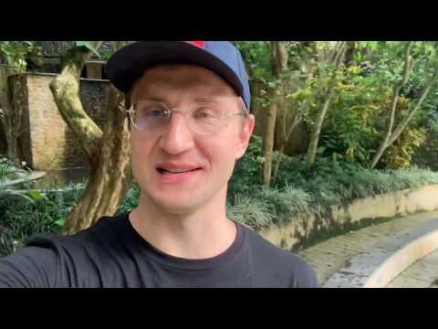 Видео обзор отеля Ayung Resort Ubud Bali. Отель в джунглях!