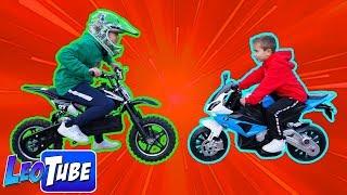 Leo encuentra un regalo de Navidad La Moto a batería para Niños BMW  y Cross