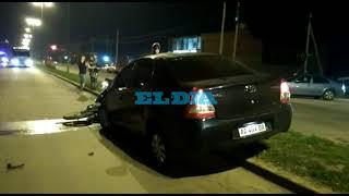 Melchor Romero: dos heridos por un choque entre una moto y un auto