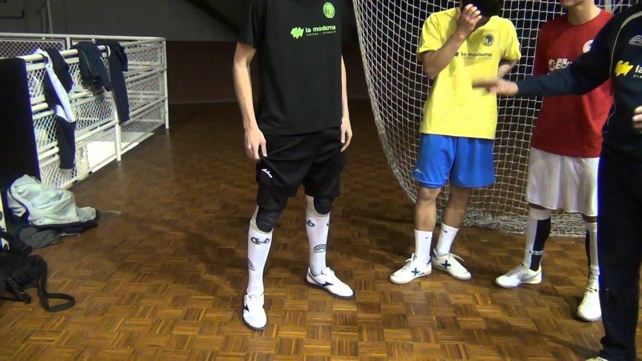50d846a37bb Cómo equipar un portero de fútbol sala - YouTube